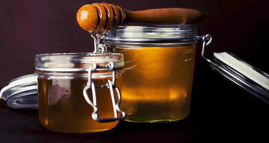 Honey health benefits and medicinal use